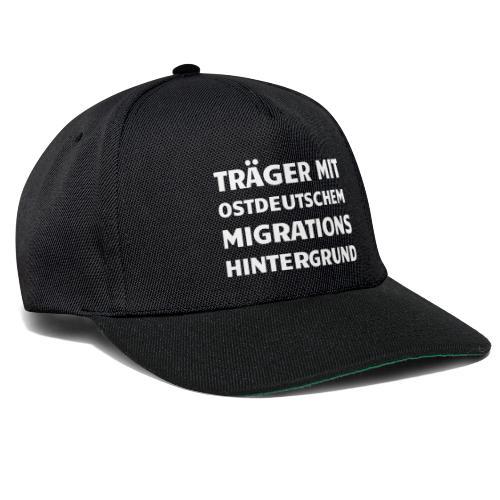 Träger mit ostdeutschem Migrationshintergrund - Snapback Cap