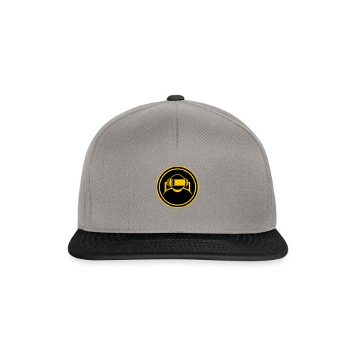 Mens Slim Fit T Shirt. - Snapback Cap