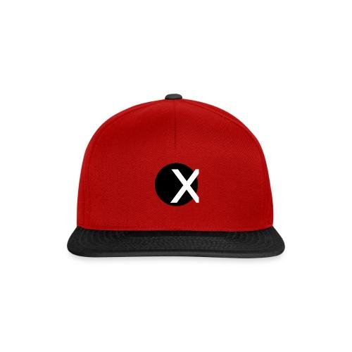 X-Tröja - Snapbackkeps