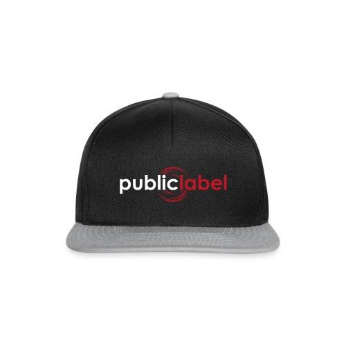 Public Label auf schwarz - Snapback Cap