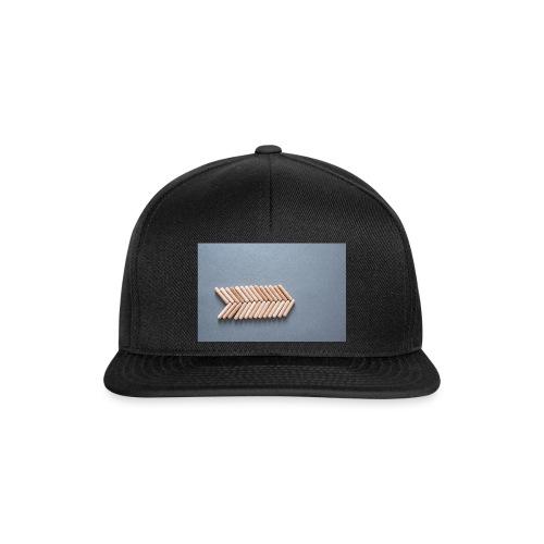 Holzdübel als Gräte - Snapback Cap