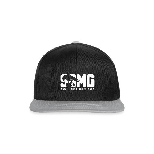 nieuwemaatsbmg text wit 01 png - Snapback cap