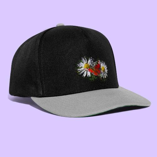 zwei Gänseblümchen mit einem Schmetterling - Snapback Cap