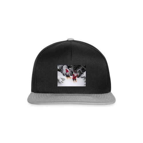 Joulutontut kilpasilla - Snapback Cap
