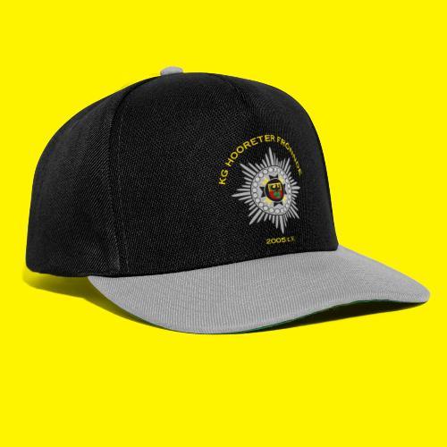 Gelbe Schrift - Snapback Cap