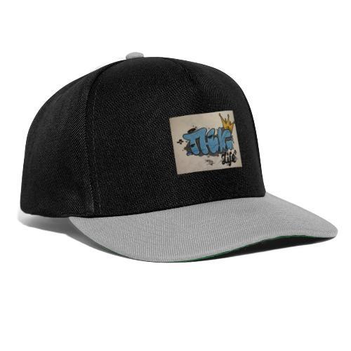 Graffiti T-shirt - Snapback Cap