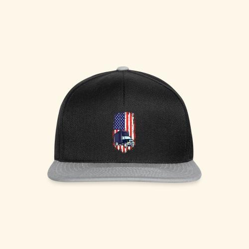Truck Driver T Shirt mit American Flag - Snapback Cap