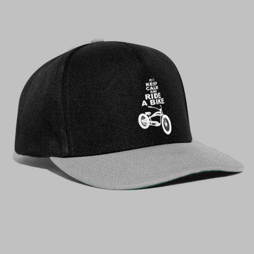 keep Calm and Ride a Bike Geschenkidee - Snapback Cap