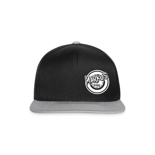 kles logo hvit 1000x1000 - Snapback-caps
