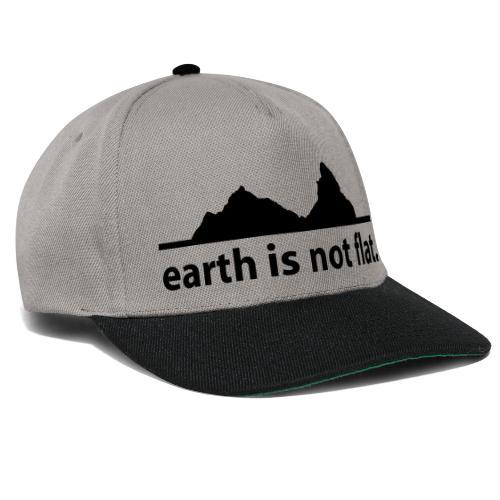 earth is not flat. - Snapback Cap