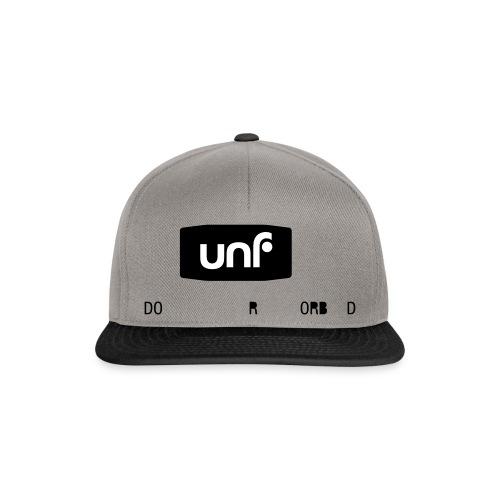 UNF_svartvit-eps - Snapbackkeps