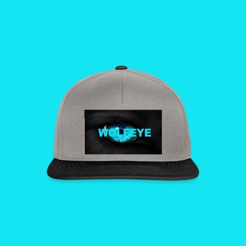 WolfEye T-Shirt - Snapback Cap