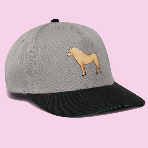 Fjordhäst stående - Snapbackkeps