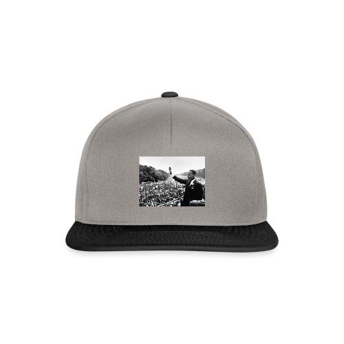 rising hand - Snapback Cap