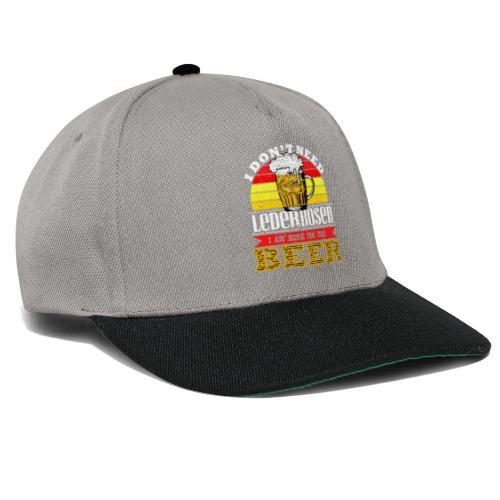 Ich bin wegen dem Bier hier - Snapback Cap