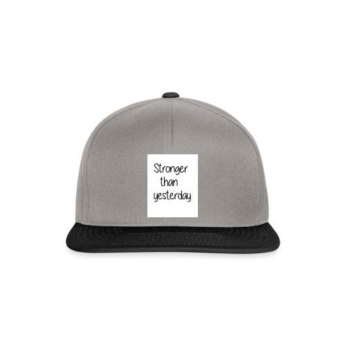 Stronger than yesterday tshirt woman - Snapback Cap