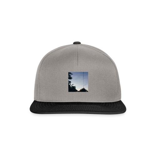 Sky Tee - Snapback Cap