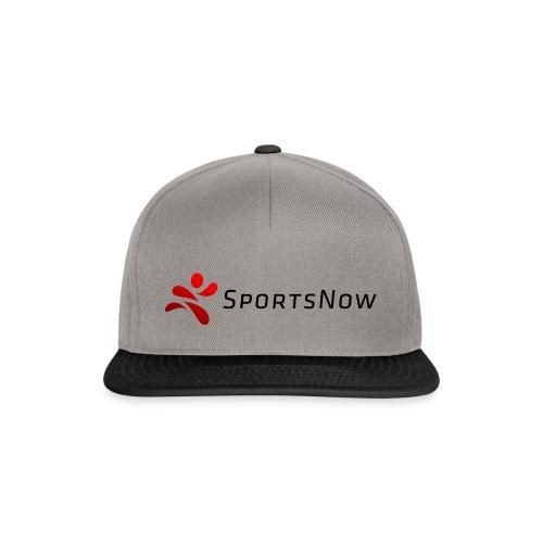 SportsNow-Logo mit schwarzer Schrift - Snapback Cap