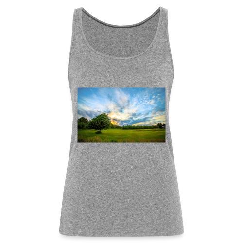 Meadow trees dawn clouds 1920x1200 - Frauen Premium Tank Top