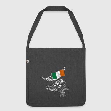 Irland erobert den Weltraum Astronaut Flagge - Schultertasche aus Recycling-Material