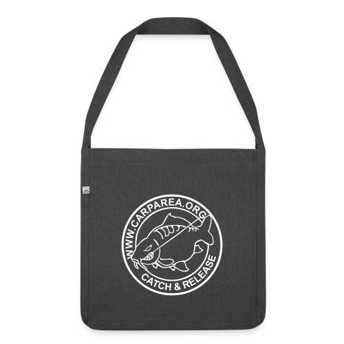 carparea logo schwarz 225x225mm v2 - Schultertasche aus Recycling-Material
