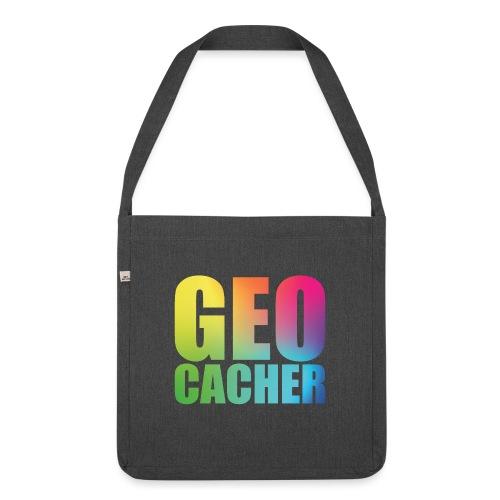 Geocacher (summer2016) - Olkalaukku kierrätysmateriaalista
