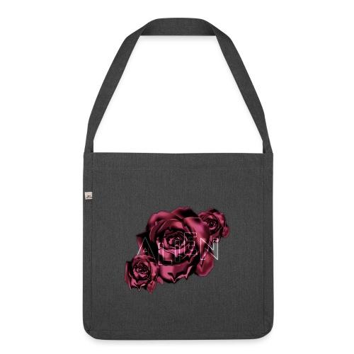 Rose Guardian Small - Skulderveske av resirkulert materiale