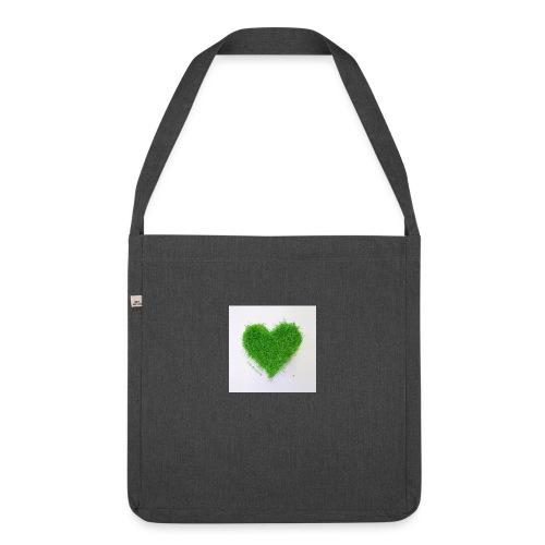 Herzrasen Button - Schultertasche aus Recycling-Material