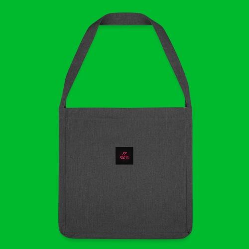 Ppppeetu logo - Olkalaukku kierrätysmateriaalista