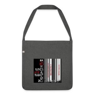 041 Hacer las paces - Bandolera de material reciclado