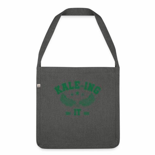 Kale - ing it - Veganer Geschenkidee - Schultertasche aus Recycling-Material