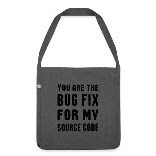 Programmierer Beziehung Liebe Source Code Spruch - Schultertasche aus Recycling-Material