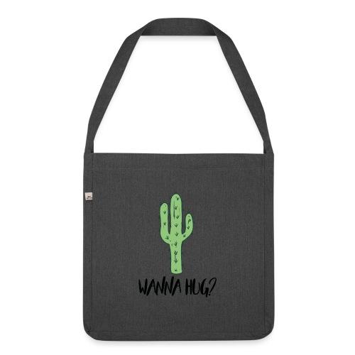 Wanna Hug? - Schultertasche aus Recycling-Material