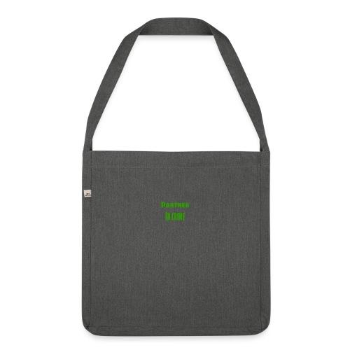 Partner in crime green - Axelväska av återvinningsmaterial
