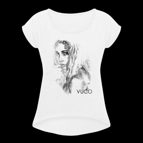 Thoughtful Girl - von VUCO - Frauen T-Shirt mit gerollten Ärmeln