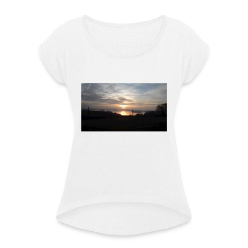 sun set - Women's T-Shirt with rolled up sleeves
