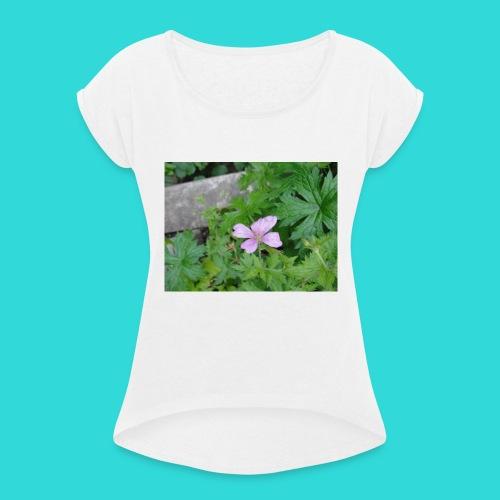 shirt bloem - Vrouwen T-shirt met opgerolde mouwen