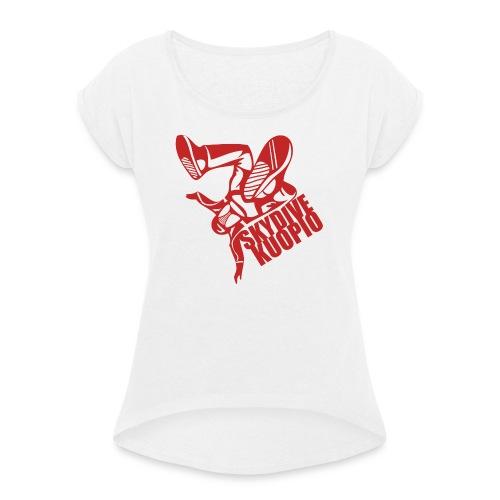KLU logo red - Naisten T-paita, jossa rullatut hihat