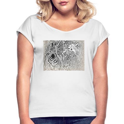 Zebra und Gepard und Musterhintergrund - Frauen T-Shirt mit gerollten Ärmeln