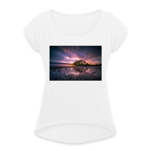 Fin bild - T-shirt med upprullade ärmar dam