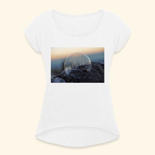 694B9D49 C488 4DC5 8577 C99712919F5E - Frauen T-Shirt mit gerollten Ärmeln
