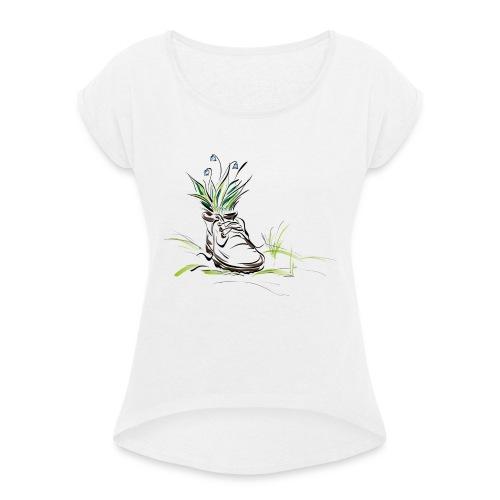 shoe with flowers stevanka - Frauen T-Shirt mit gerollten Ärmeln
