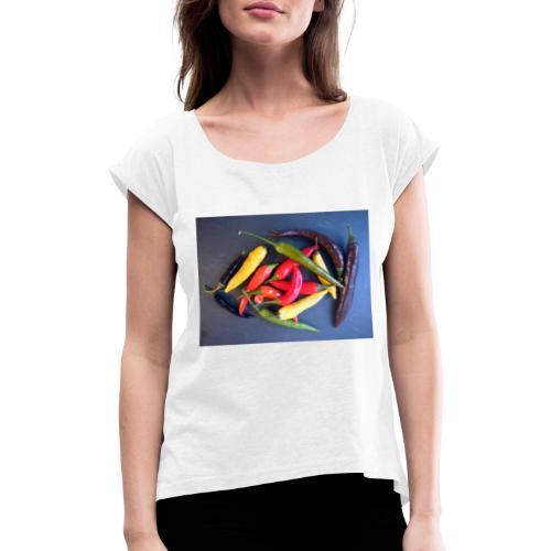 Chili bunt - Frauen T-Shirt mit gerollten Ärmeln