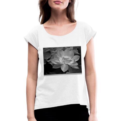 20190418 162943 - Frauen T-Shirt mit gerollten Ärmeln