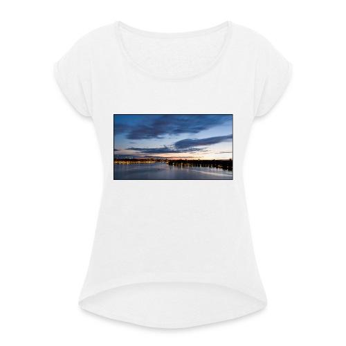 Sommarnatt1 - T-shirt med upprullade ärmar dam