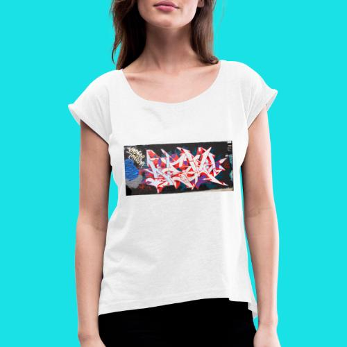 streetart #12 - Vrouwen T-shirt met opgerolde mouwen