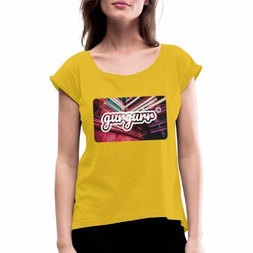 Street Pigeon - Frauen T-Shirt mit gerollten Ärmeln