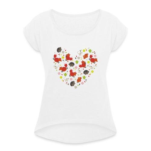 Metikössä - Naisten T-paita, jossa rullatut hihat