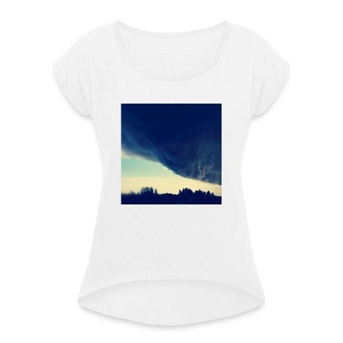 Be The Storm - Naisten T-paita, jossa rullatut hihat