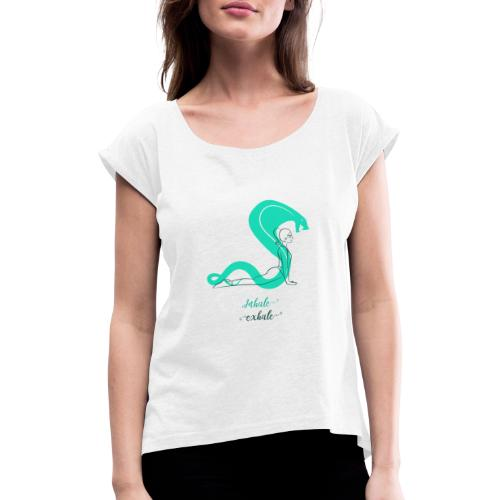 yoga t shirt design maker featuring a meditating w - Dame T-shirt med rulleærmer